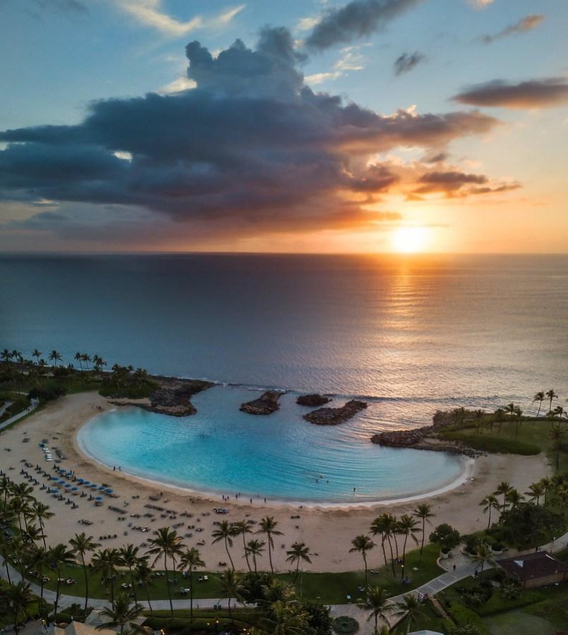 Cookie Cutter Resorts in Hawaii – Stuck in Customs