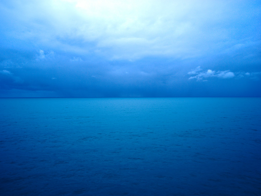A simple shot to show off the beautiful range of blues off the coast of Italy.