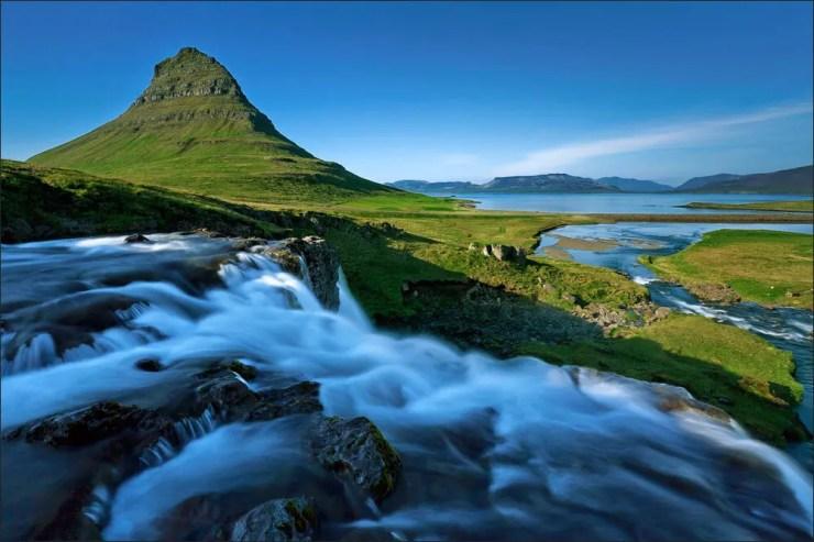 Kirkjufellsfoss and Kirkjufell