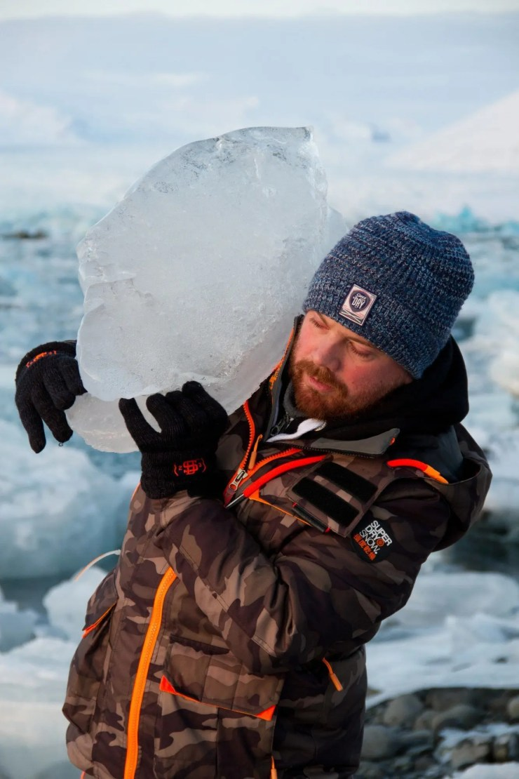 Shaun soon realized that he couldn´t take all of Vatnajokull glacier with him to the UK.