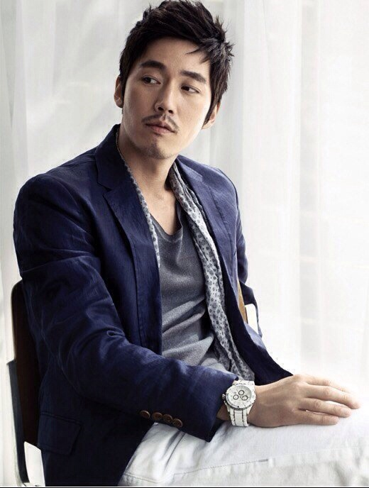 The Interviewer Who Lost A Battle With Jang Hyuk Stuck