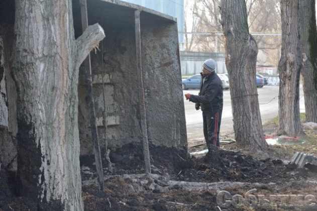 В Днепропетровской области сервисный центр МВД забрызгали 20 тоннами жидких фекалий 4