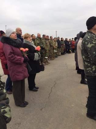 Возле админграницы с Крымом открыли памятник погибшим за Украину крымчанам 7