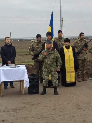 Возле админграницы с Крымом открыли памятник погибшим за Украину крымчанам 1