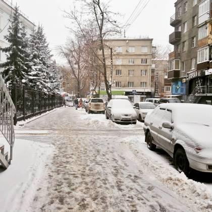 Харьков и дальше будет заметать снегом, полиции поручено убрать с улиц машины 8