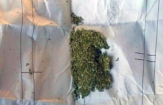 Правохранители разоблачили наркомана изготавливавшего опий 3