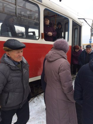 Мужчина выпал из окна харьковского трамвая 5