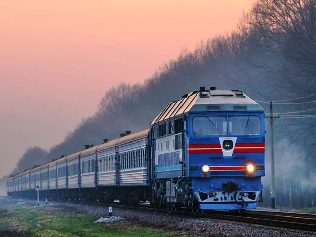 Поезду Харьков - Черновцы присвоено имя Героя Небесной Сотни 2