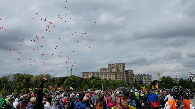 На площади Свободы состоялся флешмоб велосипедистов 6