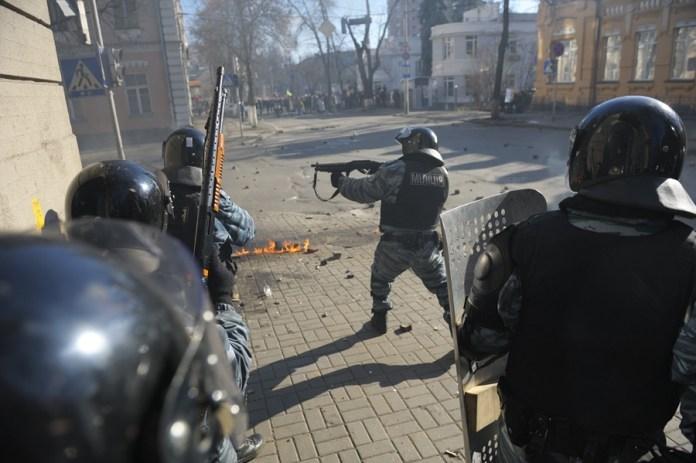 Харьковские экс-беркутовцы перестали появляться в суде