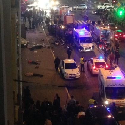 ДТП в центре Харькова: автомобиль влетел в толпу пешеходов 8