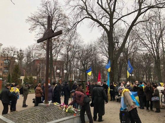 В Харькове состоялось траурное шествие памяти жертв Голодомора 15