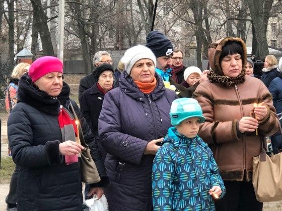 В Харькове состоялось траурное шествие памяти жертв Голодомора 21