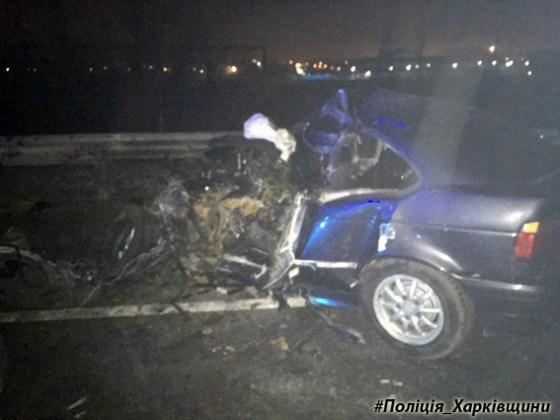 В Харькове столкнулись BMW и автобус - водитель иномарки погиб 2