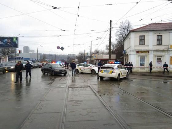 В Харькове неизвестный захватил отделение почты 3
