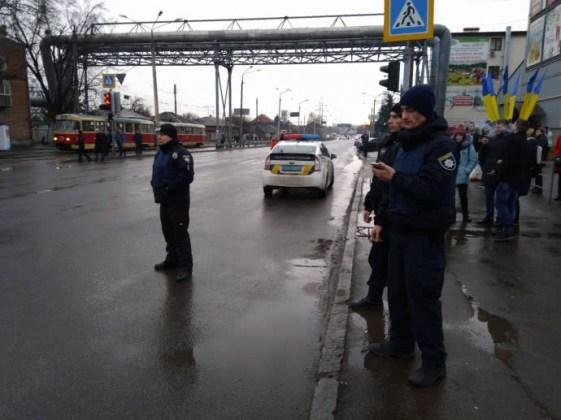 В Харькове неизвестный захватил отделение почты 4