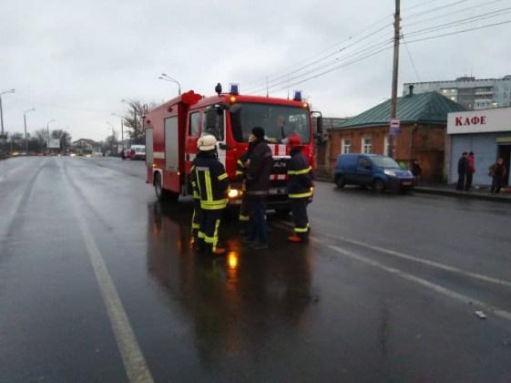 В Харькове неизвестный захватил отделение почты 6
