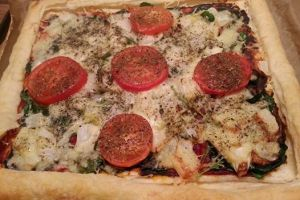 Spinach and tomato tart
