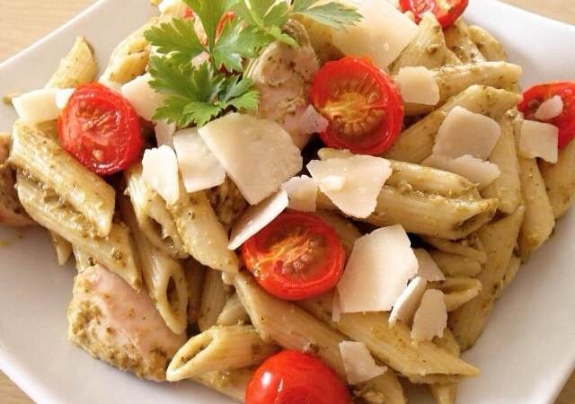 Chicken pesto pasta with roasted tomatoes