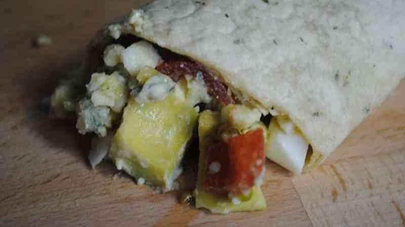 Vegetarian Egg and Avocado Wraps recipe - 1