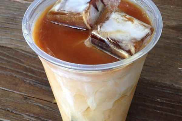 Making-Iced-Coffee