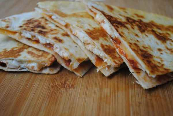 chicken-and-cheese-quesadillas-recipes-2