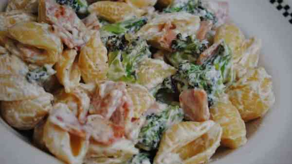 Broccoli-and-Bacon-Pasta-recipe-3