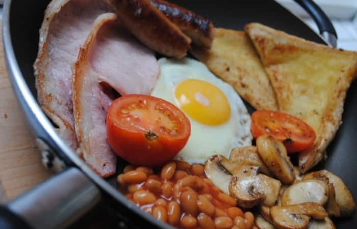 student-fry-up-full-english-3-700x450