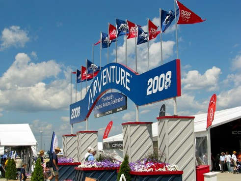 The main entrance to EAA Airventure 2008
