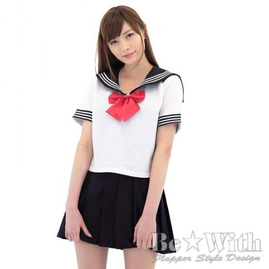 lo-strano-sistema-scolastico-giapponese-divisa-alla-marinaretta-sailor-fuku-4
