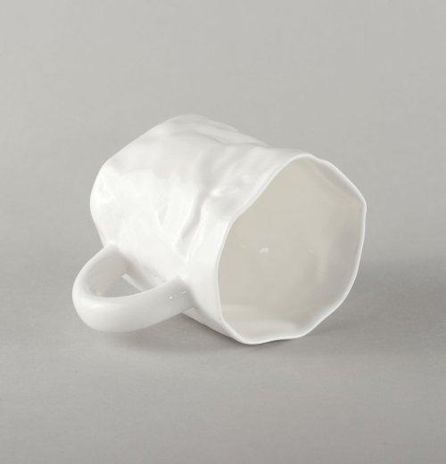porcelain-crumpled-mug-small-handmade
