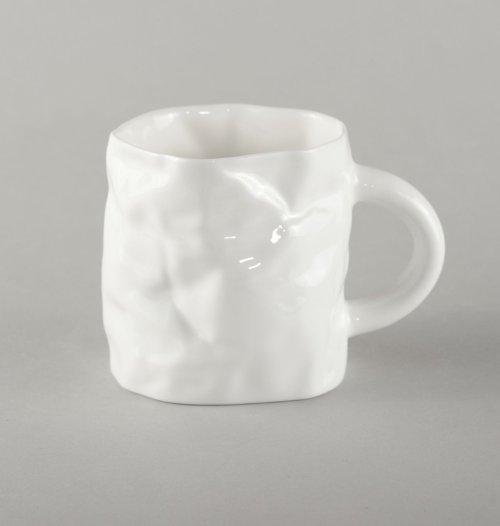 porcelain-crumpled-mug-small