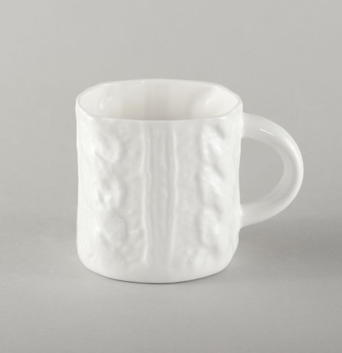 porcelain-small-cup-with-plaits