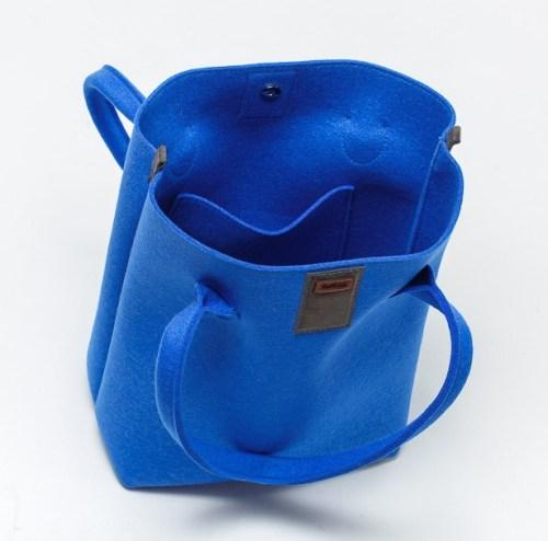 casual-handbag-felt-blue