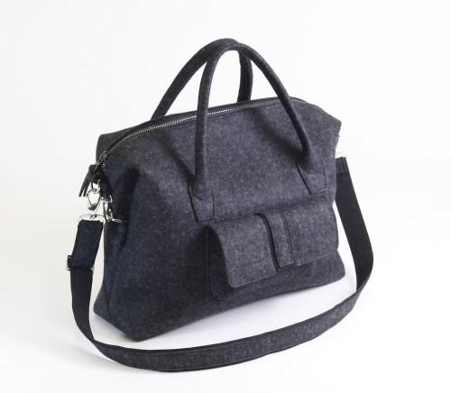 felt-bag-traveller-handmade