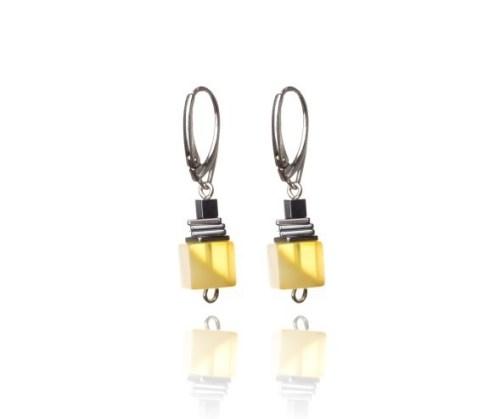 amber-earrings-touch-of-modern