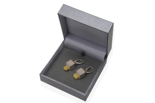 urban-nature-earrings-no3-amber-concrete
