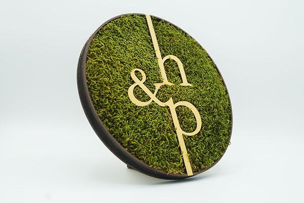 trophée végétal, mousse, vert, sur socle, studio l'ingrédient