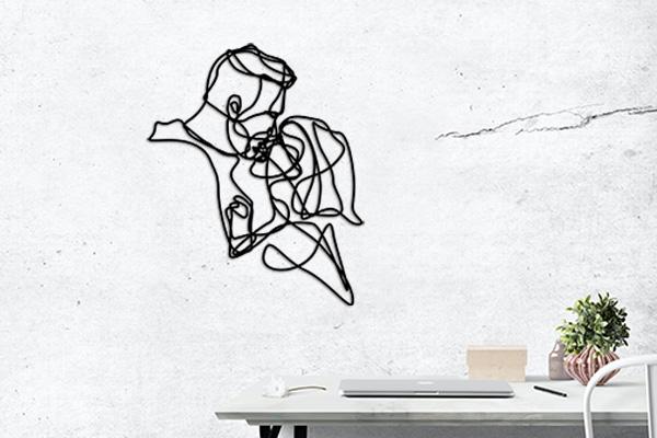 decoration intérieur, espace bureau, mur beton gris, sculpture artistique légère, pièce murale abstraite sur mesure, traits dessin en matière noire