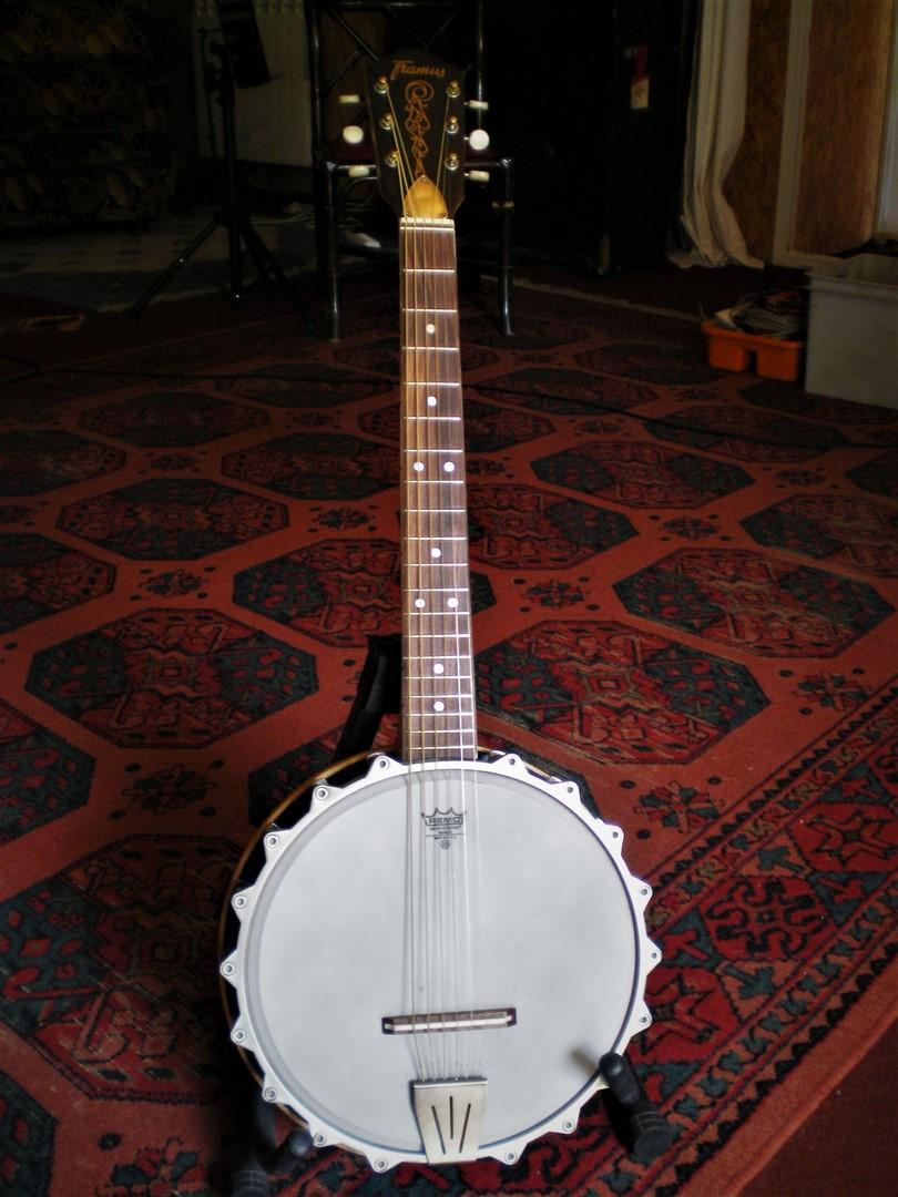studio-la-boite-a-meuh-banjo-framus-6-cordes