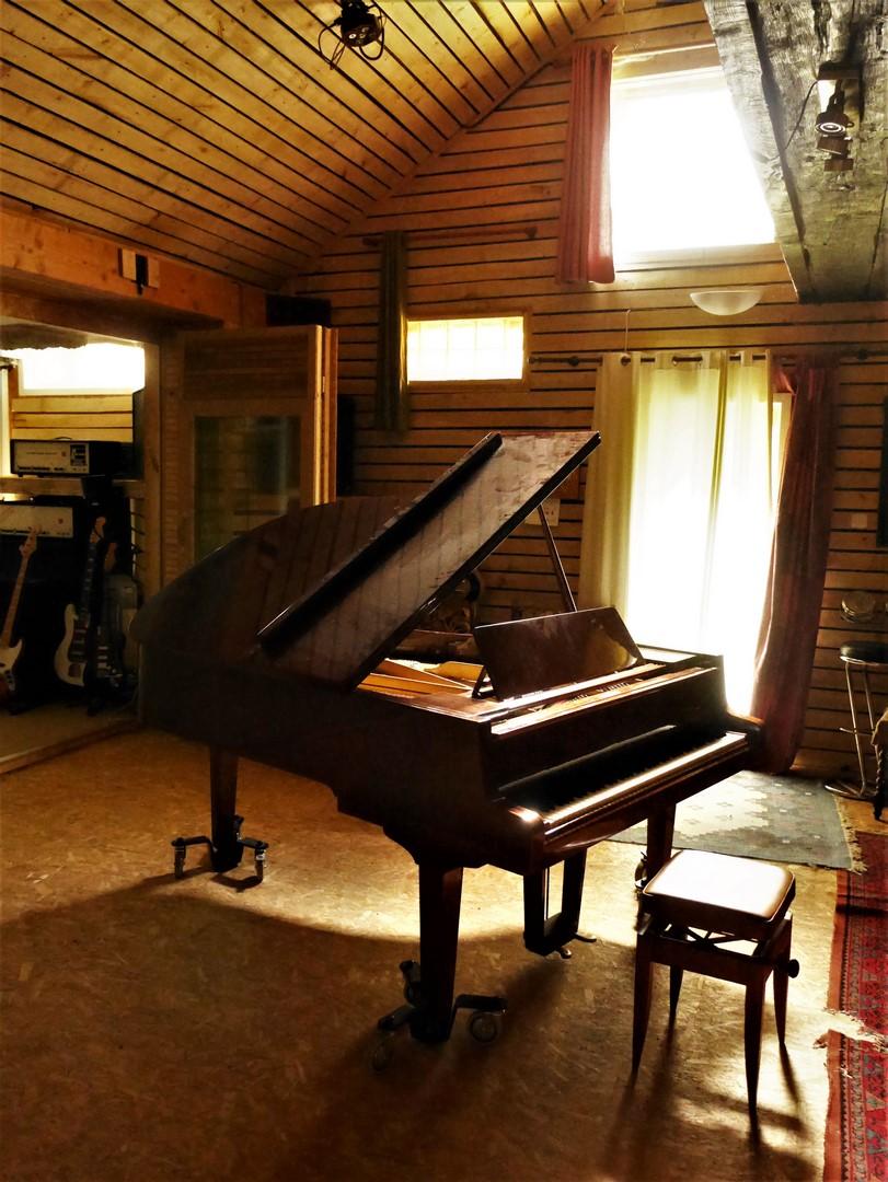 studio-la-boite-a-meuh-oct-2019-piano