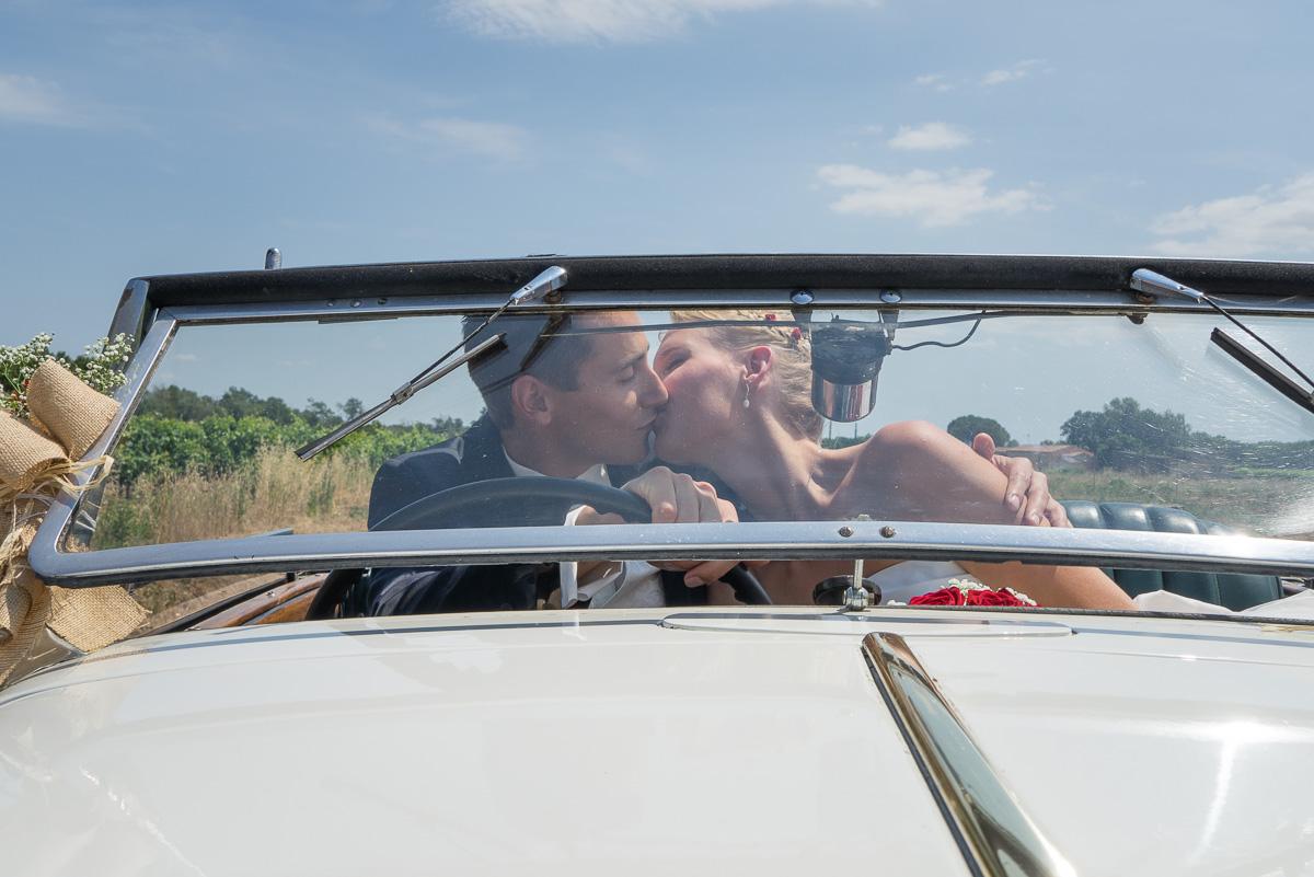 002_couple_baiser_kiss_book_mariage-par-ludovic-maillard-studio-sud_144819_