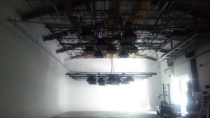 スタジオウェアハウス