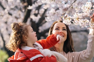 Geoje Okpo South Korea spring cherry blossom family photographer-6