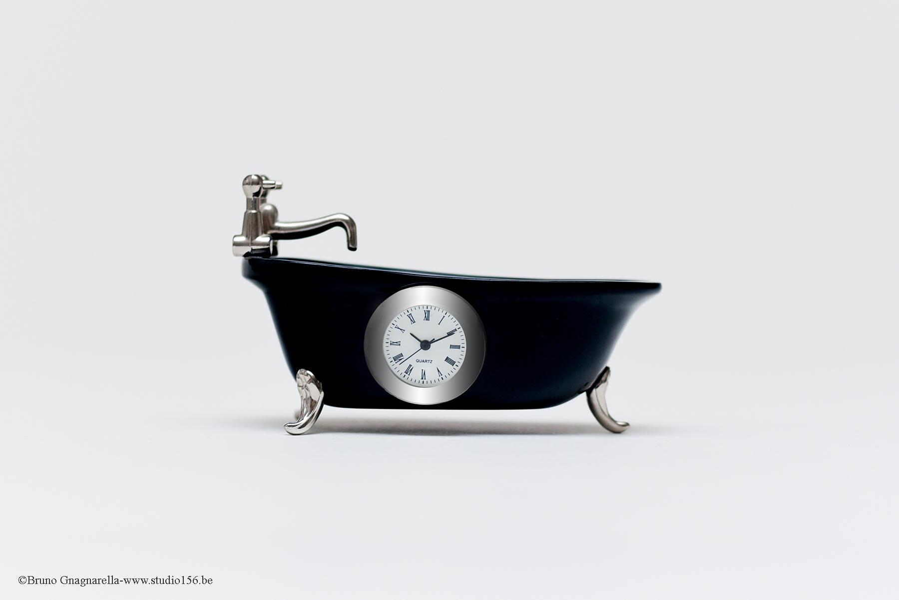 Photo baignoire montre miniature