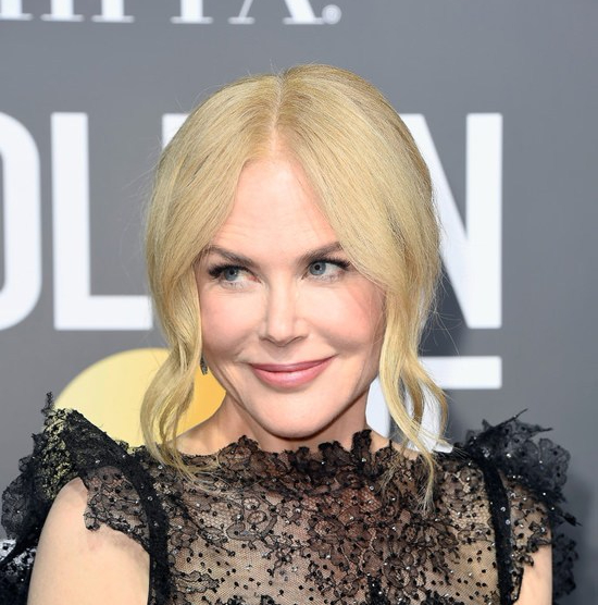 Nicole-Kidman-Big-Little-Lies-Golden-Globes-2018-Red-Carpet-Fashion-Givenchy-Tom-Lorenzo-Site-3