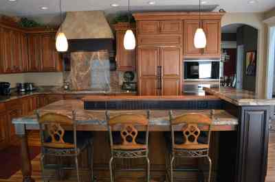 Traditional Kitchen, multi-level island