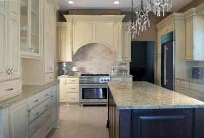 Traditional Kitchen, statement pieces