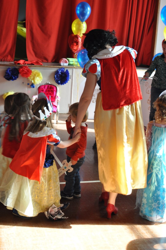 heigh ho - snow white theme party
