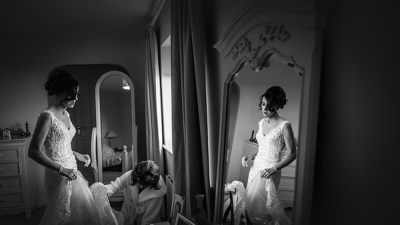 bride getting ready with mum